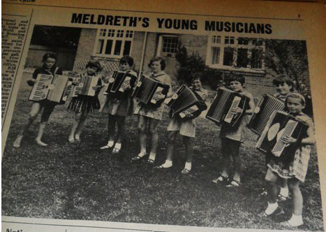 Rhythm Rascals, July 1967<br> From left to right: Richard Harding, Elaine Handscombe, Alison Chalkley, Julie Emery, Susan Bowden, Patricia Chinnery, Julie Handscombe, Elizabeth Findlay. Valerie Cox was not present when the photograph was taken. | Royston Crow