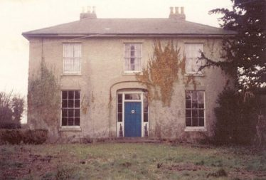 Hawkesbury House, North End, Meldreth, pictured in 1956-58. It was previously known as The Laurels when owned by Mrs. D. Bowman, a keen supporter of the Methodist cause. | Photograph supplied by Hilary Jefferys