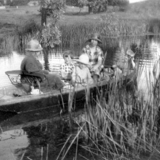 Boating at The Bury | Melbourn Local History Group