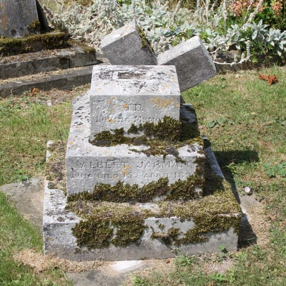 40: In loving memory of /ALBERT JARMAN/ who died April 15th 1895/ aged 33 years./ | Photograph by Malcolm Woods