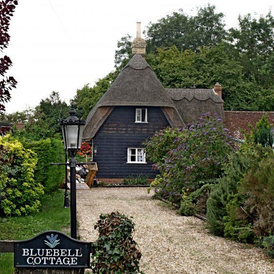Bluebell Cottage 41 Whitecroft Road | Bruce Huett 2014