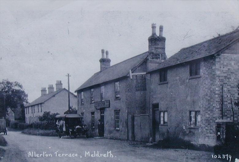 102379 Allerton Terrace, Meldreth<br> Photograph taken after 1910/11, when Allerton Terrace was built.  The Railway Tavern is also pictured. | Bell's postcard supplied by Tim Gane