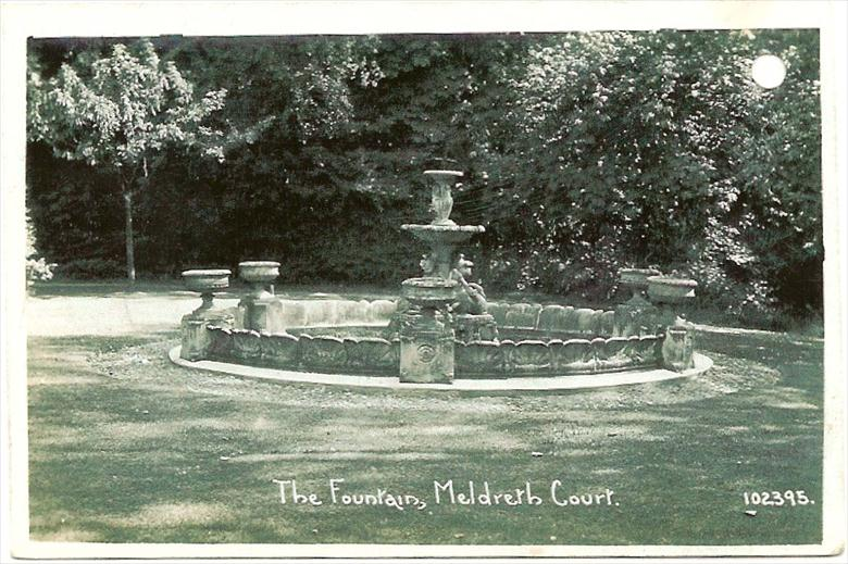 102395 The Fountain, Meldreth Court | Bell's postcard supplied by Ann Handscombe