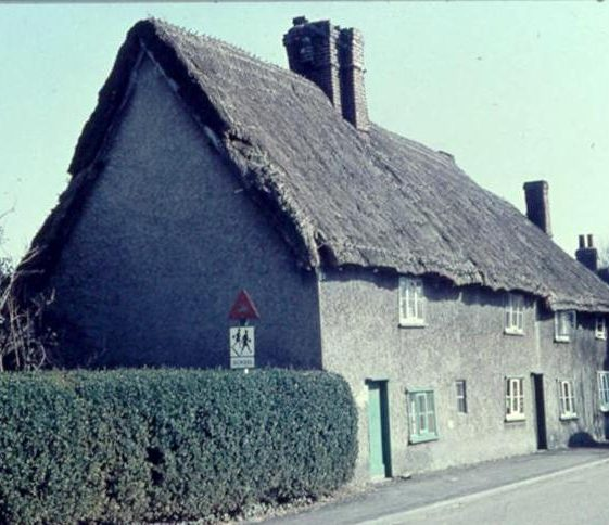 Cottages (now demolished) in High Street, Meldreth adjacent to Keys Cottage. c. 1956 | Photo supplied by Ann Handscombe
