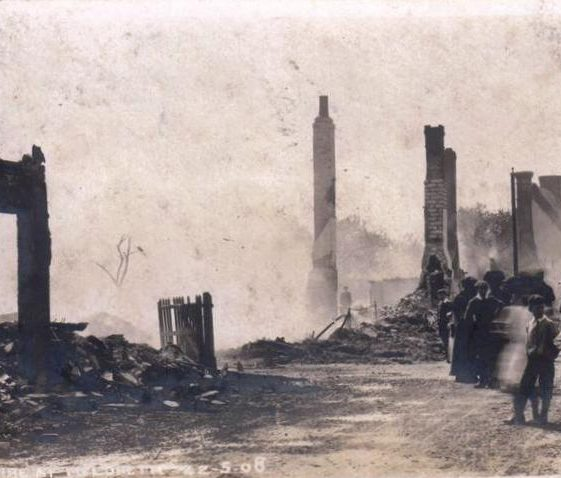 7 Cottages in High Street, Meldreth destroyed by fire 12/05/1908 | Photo supplied by Joan Gane