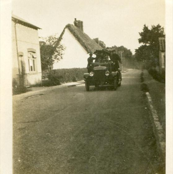The fire engine in Meldreth High Street, c. 1925 | Photograph supplied by Teddy Handscombe
