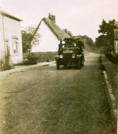 Fire Engine in High Street, Meldreth near old bakehouse. 1925 | Photo supplied by Teddy Handscombe