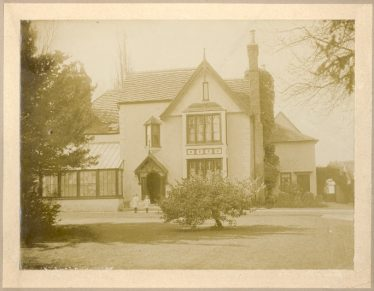 Gladys and Nora Palmer (George's sisters) outside Sheene Manor in 1907 | Janet and Michael Pilkington