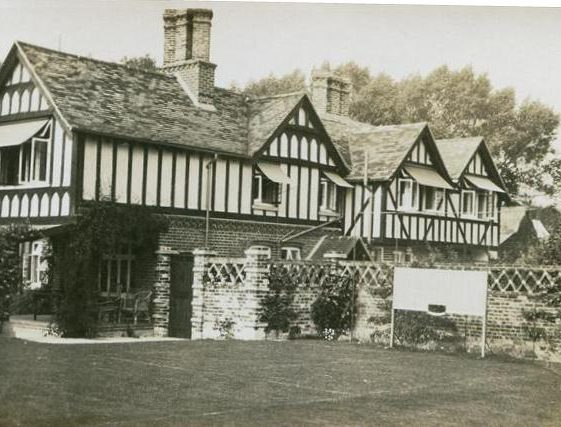The Gables, High Street, Meldreth owned by Mr and Mrs Dyne Elin. 1926 | Photo supplied by Teddy Handscombe
