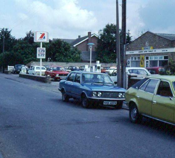Garage, High Street, Meldreth.  July 1982 | Photo supplied by Ann Handscombe