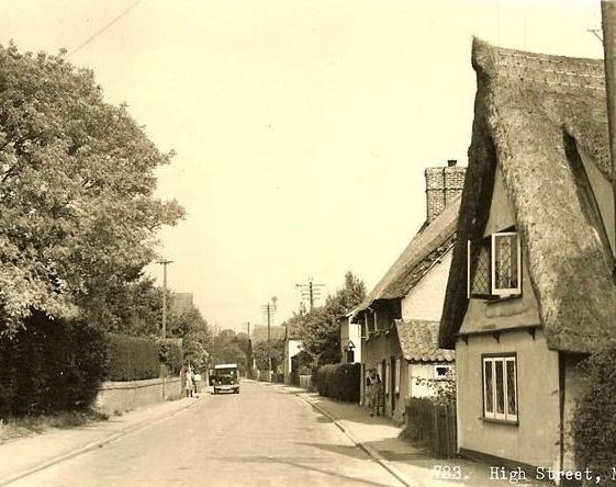 High Street, Meldreth.  Keys Cottage is on r/h side. c. 1950 | Photo supplied by Brian Clarke