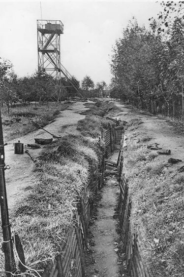 Trench remaining at Hill 60 between the Wars | ww1.battlefields.co.uk