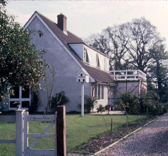Hunters Moon House next to footpath to Railway Station, High Street, Meldreth. 1976 | Photo supplied by Ann Handscombe