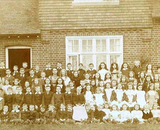 Meldreth schoolchildren outside Meldreth Schopol, High Street, Meldreth.  1912 | Photo supplied by Terry Dash