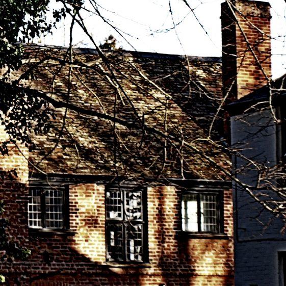 Manor House | Bruce Huett 2015