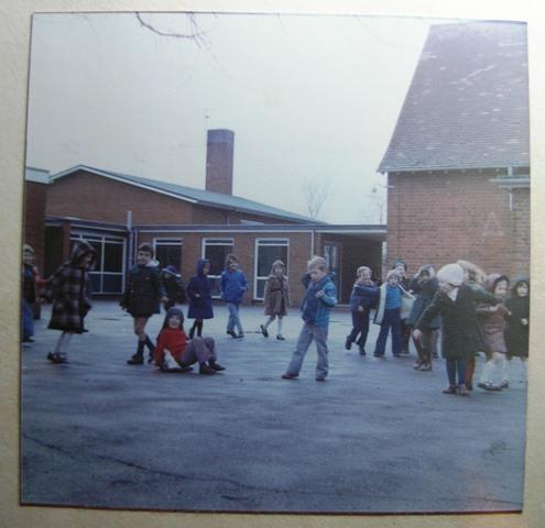 Meldreth Primary School pupils in playground | Meldreth W.I.