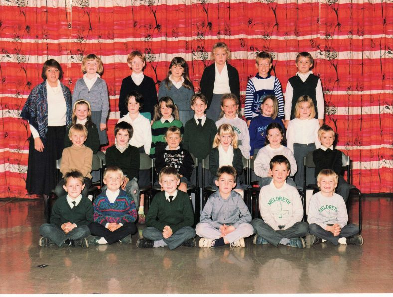 <b>Miss Yates' Class, 1989/1990</b><br> Back row, from left: Miss Yates, Gemma Besley, Joseph Reed, Jessica Swan, Hannah Lilley, Lenny Hussey, George Sumsion<br> Second row, from left: Kirsty Reed, Jean Cuffe, Kelly Pearce, Lisa Baker, Naomi Allen, Rebecca Rastell, ?<br> Third row, from left: Ian Land, Daniel Cuffe, ?, Jenny Newton, Joanna Warburton, Jamie Burge<br> Front row, from left: Adam Gemmet, Michael ?, Graham Knight, Christopher Wybourn, Gareth Watts, Gary Pearce | Photograph courtesy of Christine Knight