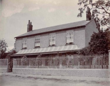 Manting House, North End, c. 1945 | Photograph supplied by John Gipson