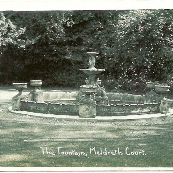 The fountain pictured in the 1920s | Bells Postcard