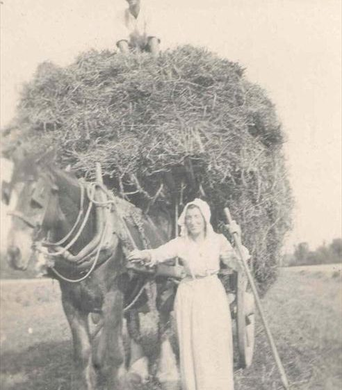 Frank Course and his mother at Northfield Farm, c. 1920 | Photograph supplied by Raymond Course
