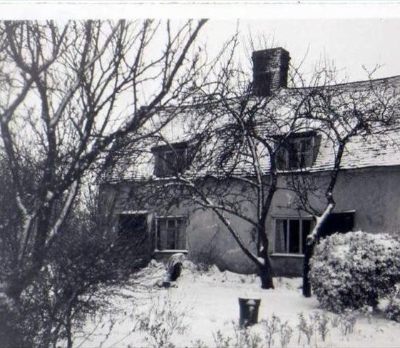 Cottages at 23 North End in 1952, prior to renovation | Photograph supplied by Alan Florence