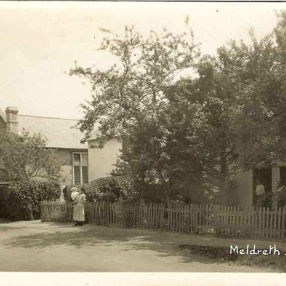 The Wesleyan Chapel (which was closed in October 1970) and cottages, c. 1930s | Bell's postcard supplied by Ann Handscombe