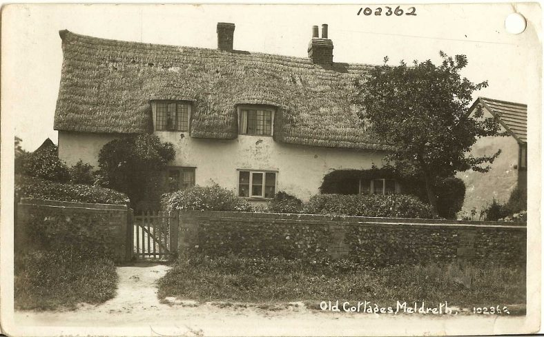 102362 Old Cottages, Meldreth [North End] | Bell's postcard supplied by Ann Handscombe