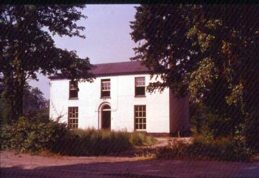 Oak Villa, home of the Ellis family for many years.  Pictured in 1956. | Photograph supplied by Ann Handscombe