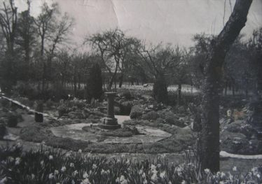 The garden and orchard at The Grove 1910 to 1930 | Ann Handscombe