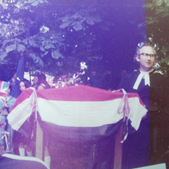 Rev. Alan Heawood unveiling the new village sign | W.I Scrapbook 1977