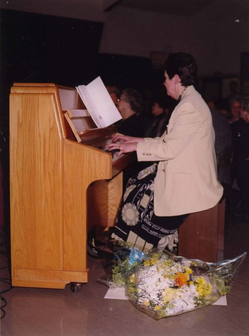 Mrs Dorothy Brown, Headteacher from 1988 - 2000   Photograph courtesy of Meldreth Primary School