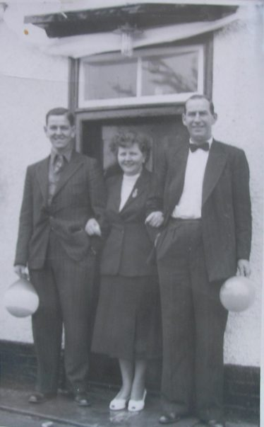 Peter Cooper with his Parents Lol and Becca outside The Railway Tavern on Coronation Day 1953 | Photo courtesy of Peter Cooper