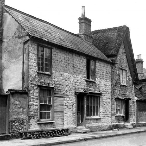 1938 Cottages in Melbourn with exposed wattle and daub (right) | Peter Simmonett p82