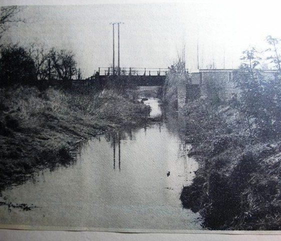 Railway bridge over River Mel rear of Flambards Close | Meldreth W. I.