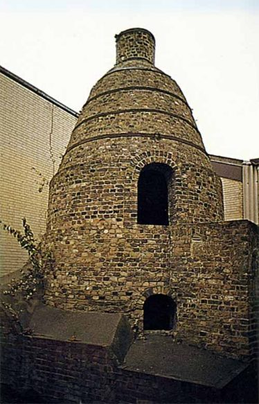 A preserved bottle kiln from Robins, Kent, probably similar to the ones that were in operation at the Meldreth site | cementkilns.co.uk