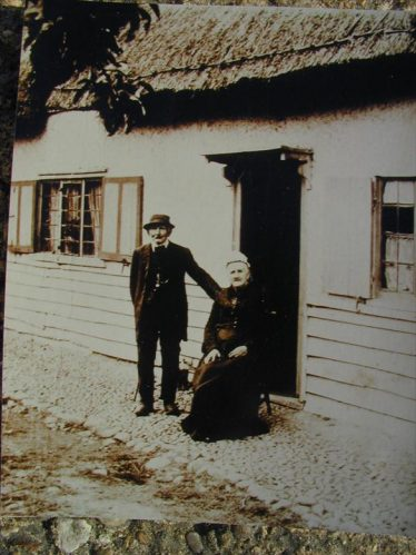 Samuel Woods with his wife Rebecca (nee Kinns) outside the Bell Public House