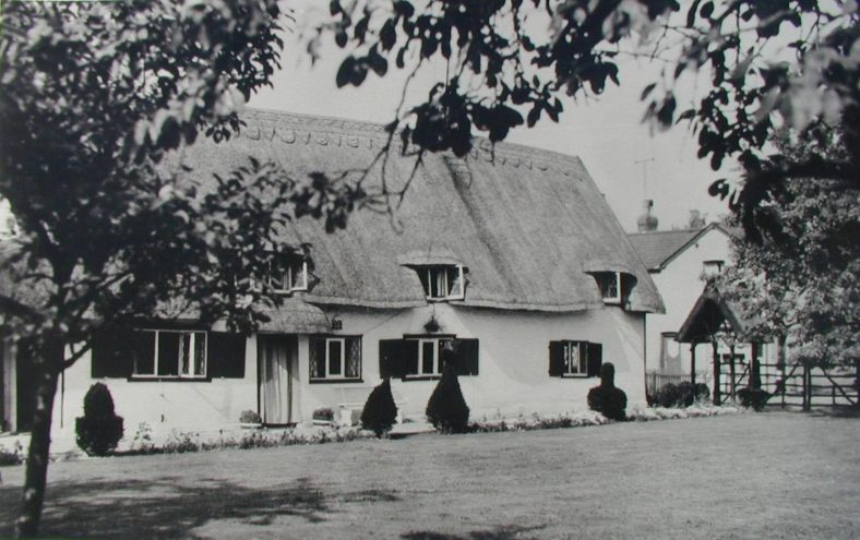 The Bell, now called 'Dormers' in 1960 | photo is property of Avril MacArthur