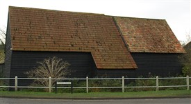 Threshing Barn at Sheene Manor Pantiles | Bruce Huett 2014