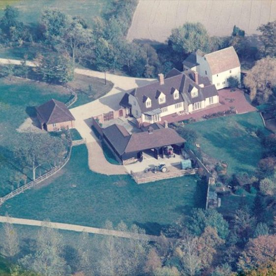 Aerial photograph of Topcliffe Mill on 20th October 1989, showing the mill, house (converted granary) and recently-constructed outbuildings | Photograph supplied by Kathryn Betts