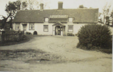 The Black Swan, Broadley End, Roydon - probably the public house where the police recovered the stolen cart | pubs.history.com
