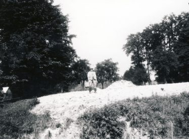 Vesey's Mound, 1932 | Cambridgeshire Collection