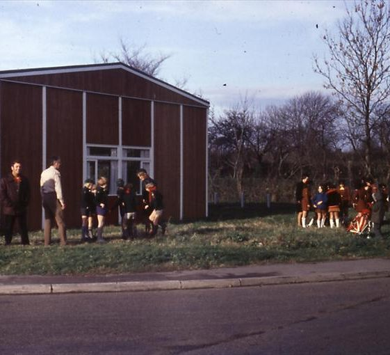 Meldreth Brownies and Cubs outside Village Hall, corner of Elin Way and High Street, Meldreth.  c. 1970 | Photo supplied by Tim Gane