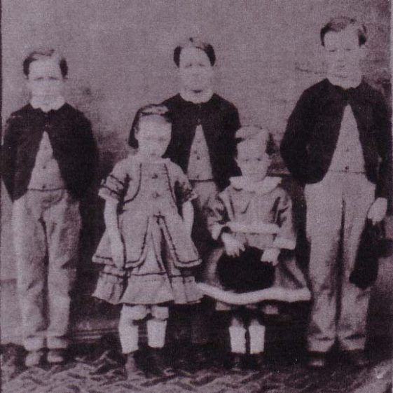Thomas, James, William, Susan and Henry Woods, c. 1875 | Photograph courtesy of Barbara Borghuis-Cooper