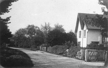 Chiswick Farm House ~1920 | Robert Clarke postcard